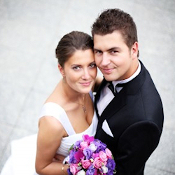 250x250-bride-groom-couple