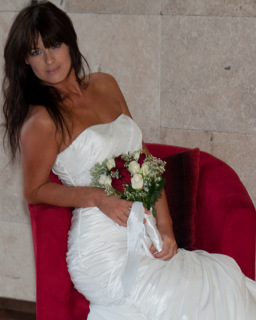 Style your hair to complement your wedding dress las for Las vegas wedding dress