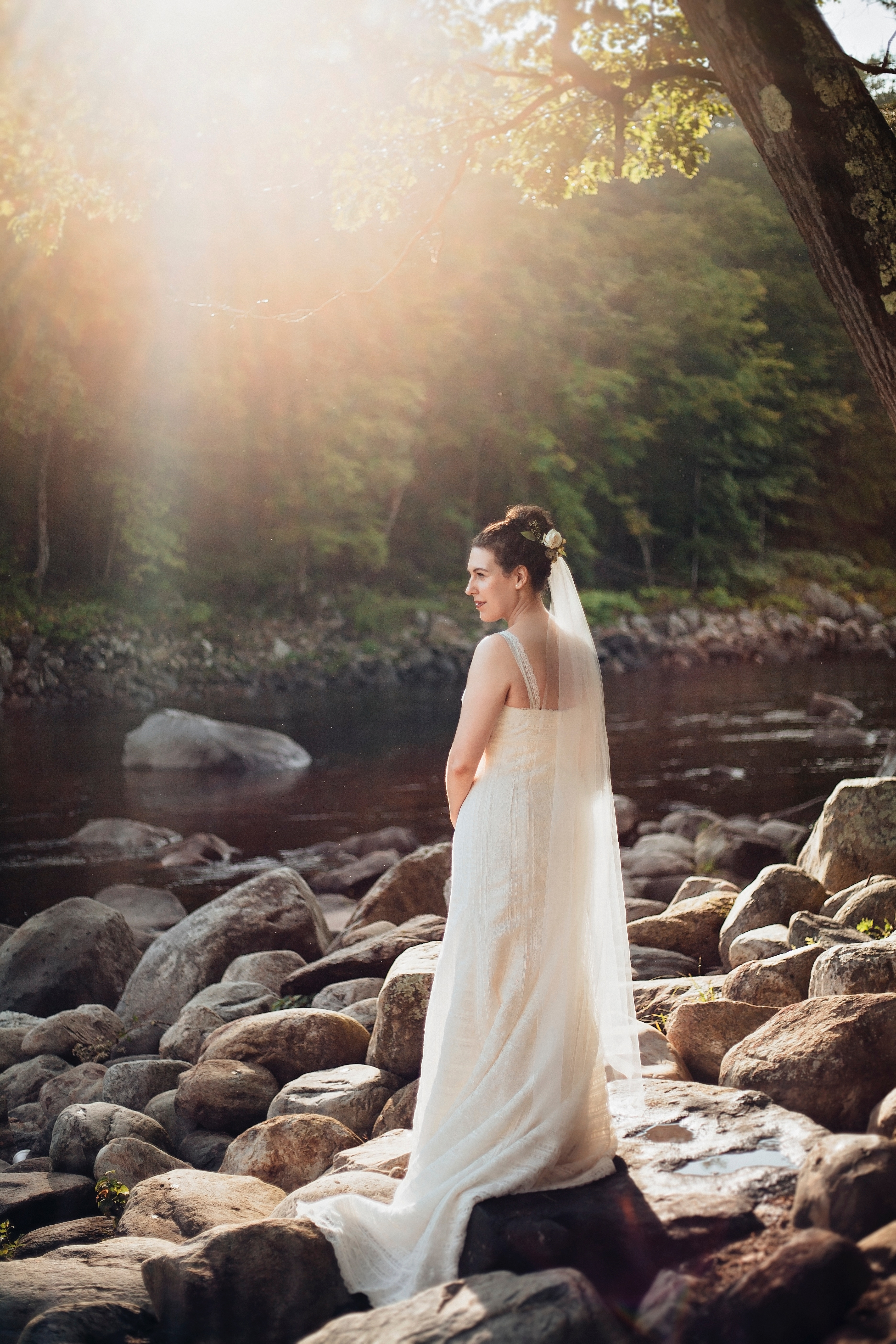 3 things you can do with the wedding dress after the big day las you can sell it if you dont want to keep your wedding dress you can definitely sell it there are a lot of brides happy to purchase slightly used wedding ombrellifo Gallery